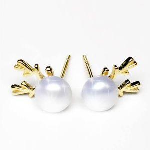 pendientes de perlas uv
