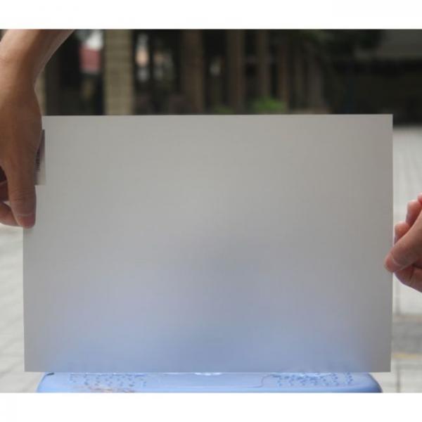 3d film de proyección holográfica dimensiones