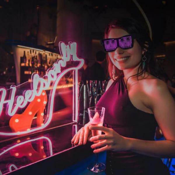Gafas LED Bluetooth controladas por teléfono inteligente para fiestas y discotecas